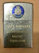 Zippo-Marns.-met-blauw-korps-logo